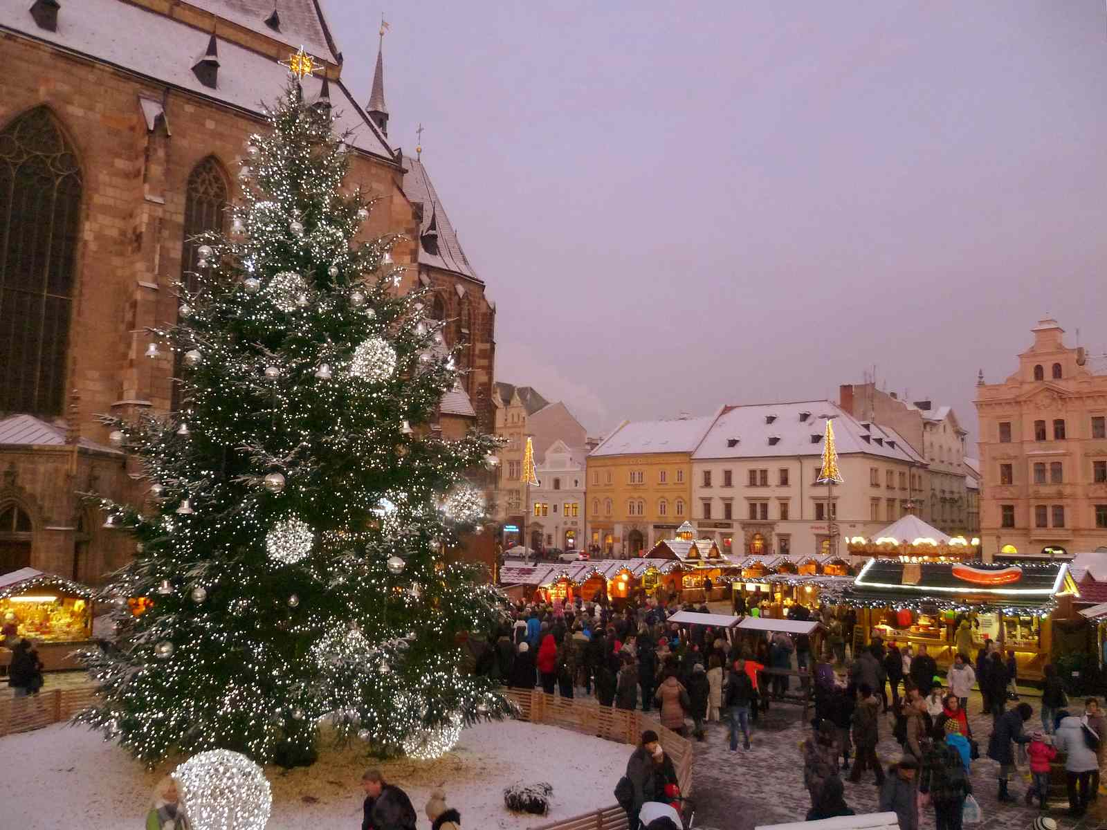 Plzeň events  calendar: Christmas markets in Pilsen attract a lot of tourists.